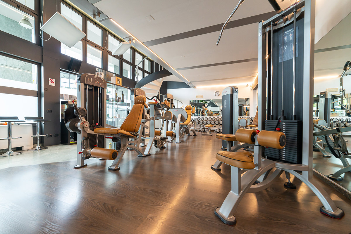 Como fitness club sala attrezzi